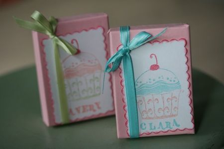 Cupcake Necklace Packages