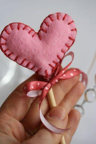 Craft Ideas  Felt on Pamela Susan   We Have A Winner      Many Valentine Craft Ideas