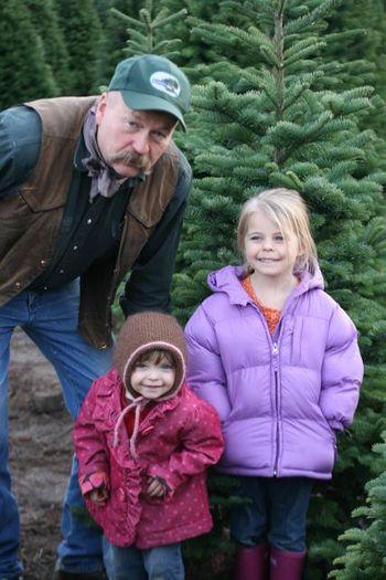 ChristmasTreecutting2009-1