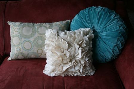 Living room pillow pictures
