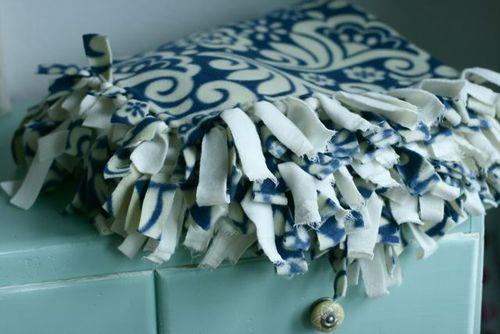 Blanket tying-3