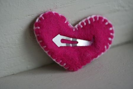Felt heart hair clip back