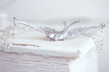 Soar bird necklace