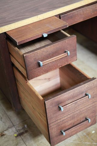 Wooden-desk-2