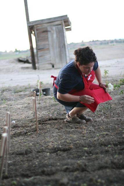 Steph at garden-7