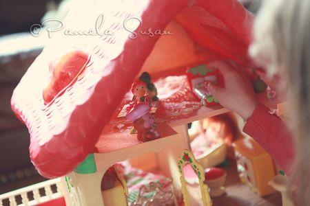 Strawberry-shortcake-dollhouse-pets-6