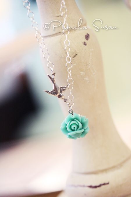Shop-bird necklace locket