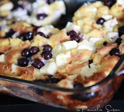 Blueberry-creamcheese-casserole