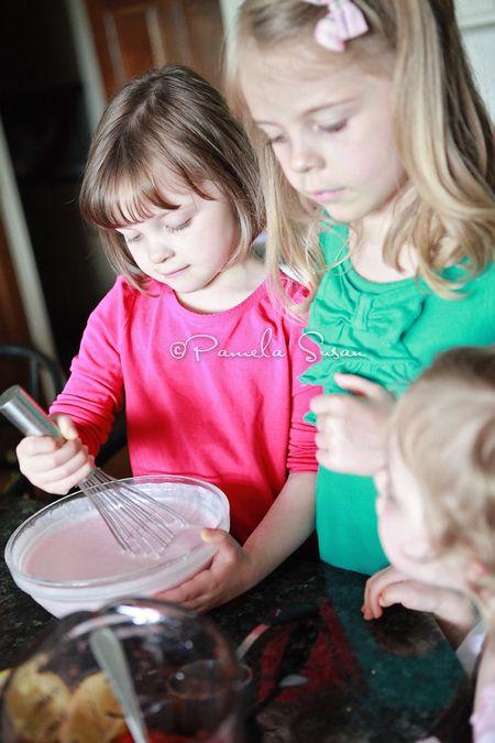 Strawberry-ice-cream-making-1