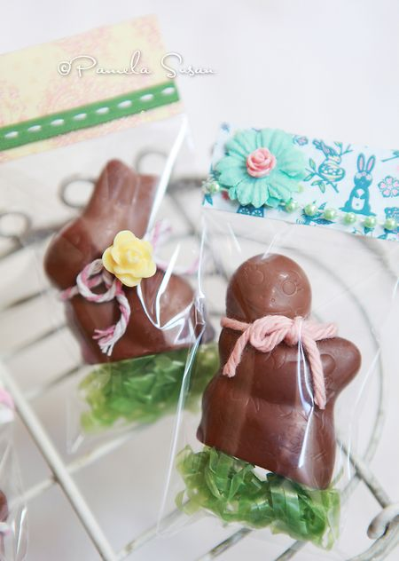 Lindit-mini-chocolate-chick-easter-pamela-susan-3