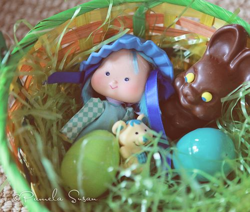 Easter-strawberry-shortcake-blueberry-muffin-doll