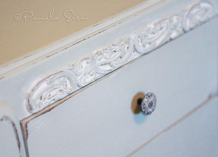 Dresser-closeup