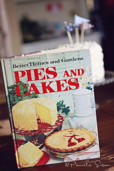 Better-home-gardens-pies-and-cakes