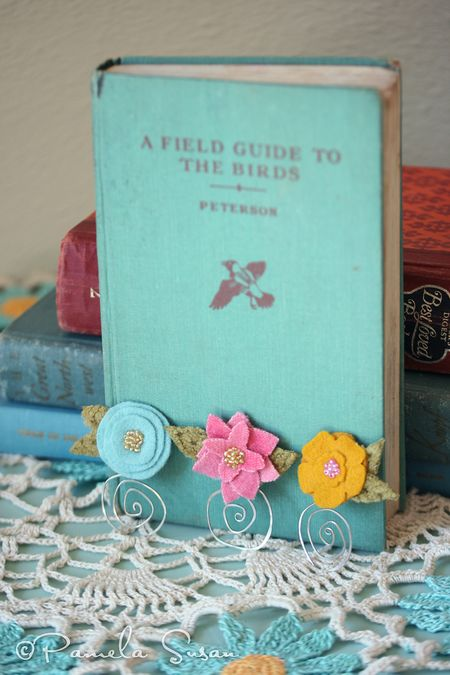 Bookmarks-felt-flower-1