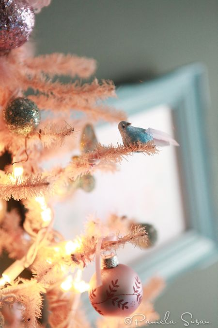 Christmas-vintage-pink-tree-birds-butterflies-4
