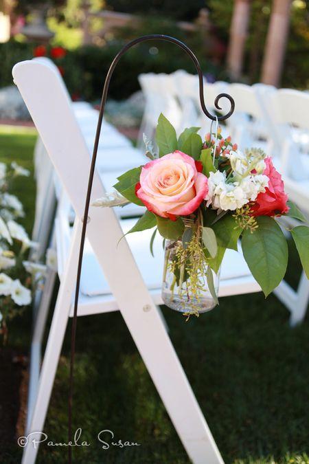Heidi-ceremonoy-flowers