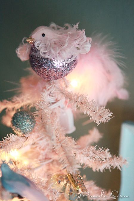 Christmas-pink-tree-birds