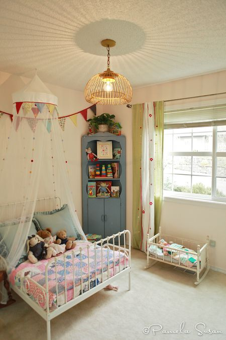 Light-fixture-toddler-girl-room-katie-daisy