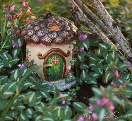 Earth-Day-fairy-house-acorn