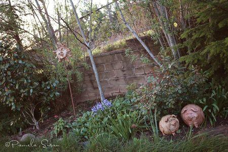 Earth-day-pigs-sun-garden-art
