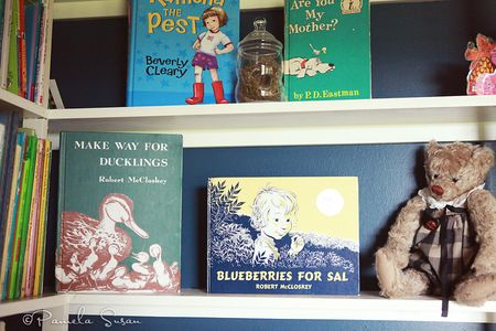 Playroom-bookshelves-vintage-books-13