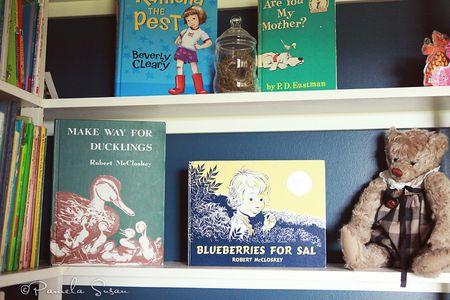 Playroom-bookshelves-vintage-books-13