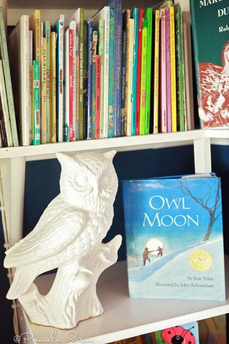 Playroom-bookshelf-owl-moon-sculpture-15
