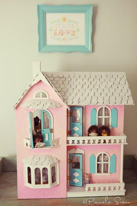 Girls-bedroom-vintage-dollhouse-katie-daisy-art