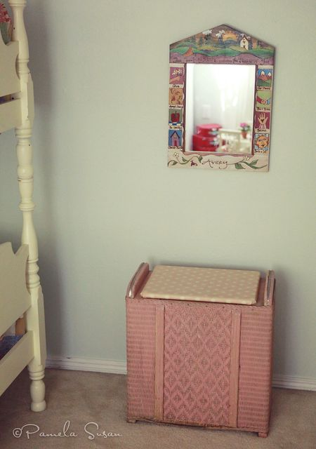 Girls-bedroom-hamper-mirror-11