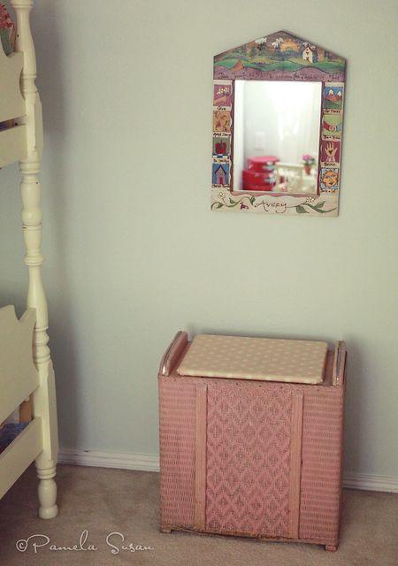 Girls-bedroom-hamper-mirror-11