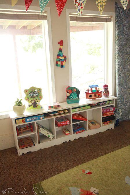 Playroom-toyshelf-bookshelf-pamela-susan