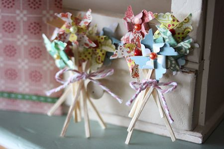 June-giveaway-pinwheel-cupcake-toppers-2