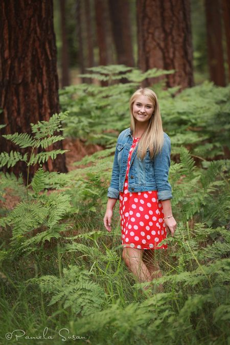 Alyson-black-butte-senior-pics-4