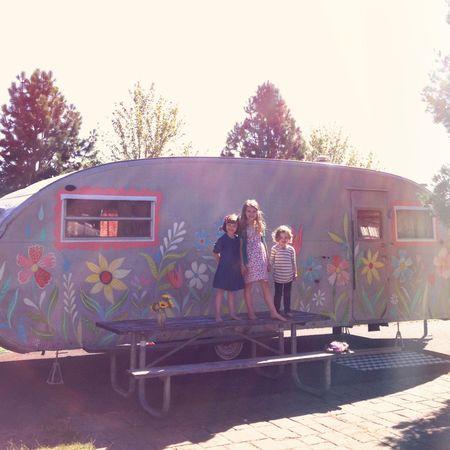 Joy-prouty-katie-daisy-trailer-girls