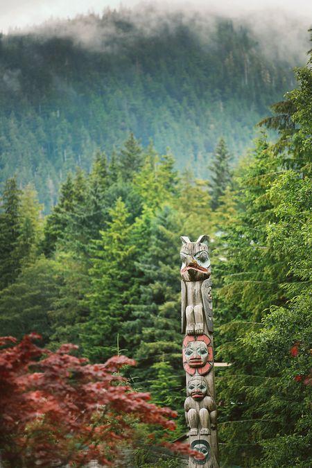 Alaska-totem-pole-2